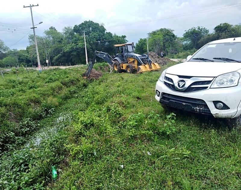 Limpieza de canales de Desagüe Pluvial en la zona centro de Villa Oliva