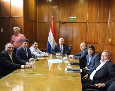 Gobernador de Ñeembucú, participó de reunión de mesa ...